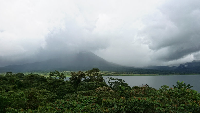 Lago y Volcan Arenal