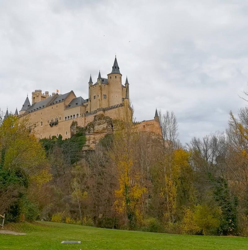 Alcázar de Segovia desde los jardines