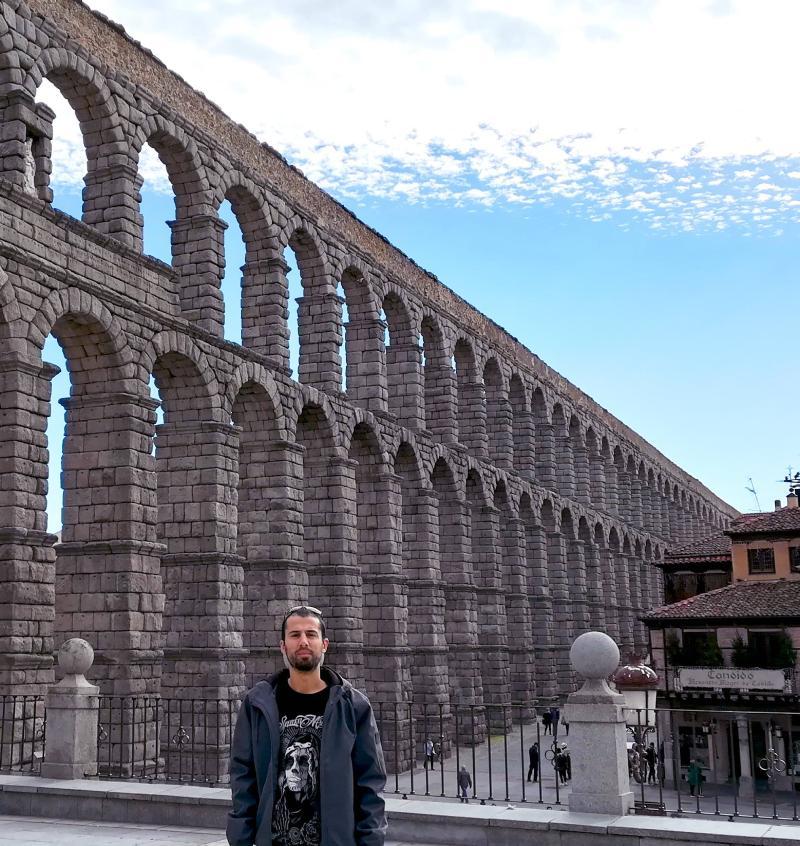 Lateral del acueducto de Segovia